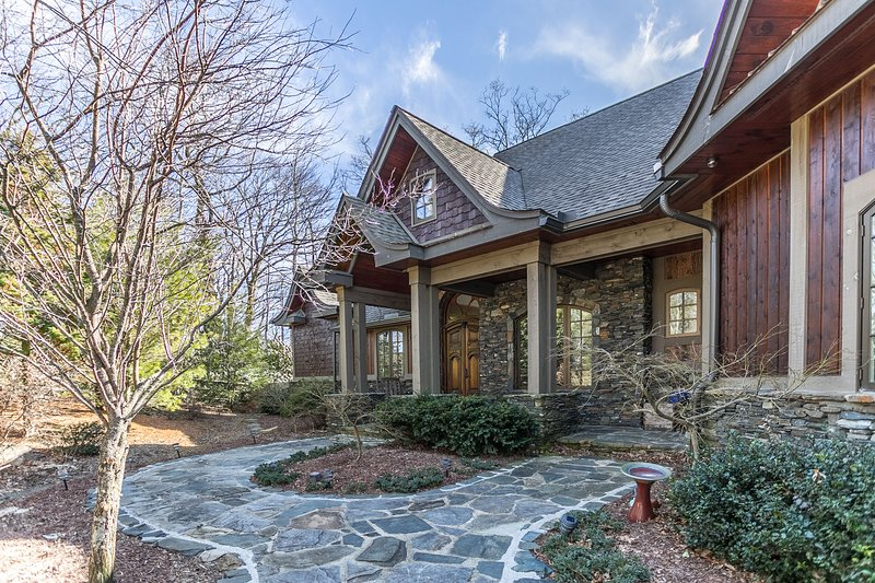 Custom designed home located between Boone and Blowing Rock