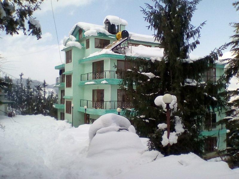 Himgiri Mashobra - Private Room for Couple, aluguéis de temporada em Naldehra