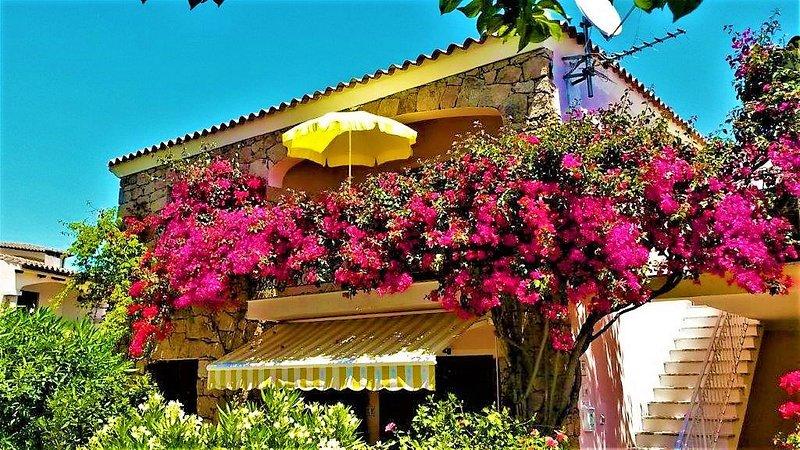 Casa Bougainvillea--Agrustos-Budoni am Meer, casa vacanza a Malamurì