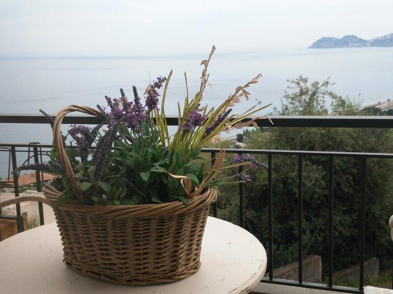 Casa vacanze L'ulivo sul mare, location de vacances à Letojanni