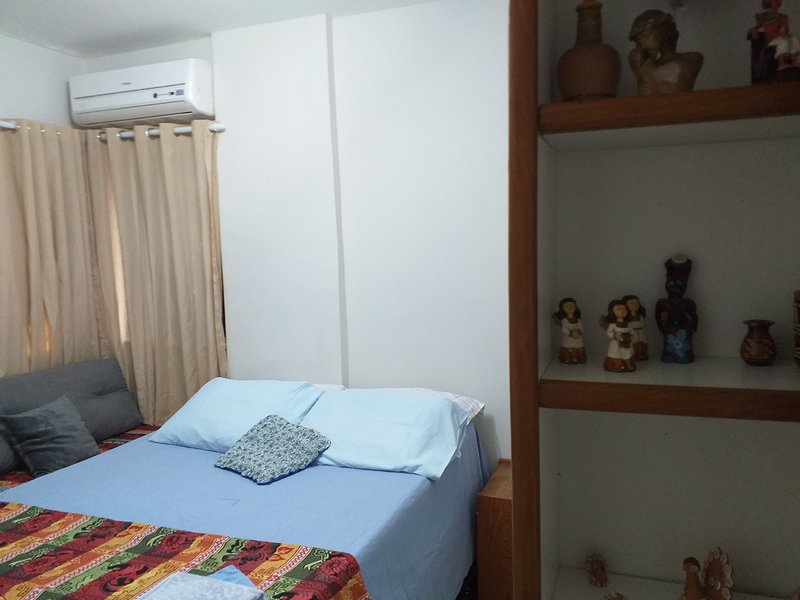 APARTAMENTO 4 QUARTOS- SETÚBAL-PRAIA B.VIAGEM-RECIFE, holiday rental in Recife