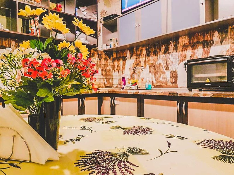 Welcoming Suite Near Central Bus Station, holiday rental in Sofia