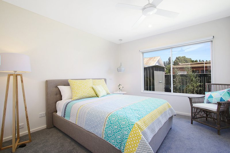 18 on Rayner - swish apartment in central Myrtleford, holiday rental in Stanley