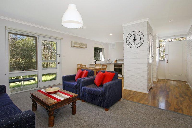 Cedar 6 - fully renovated apartment, location de vacances à Bright