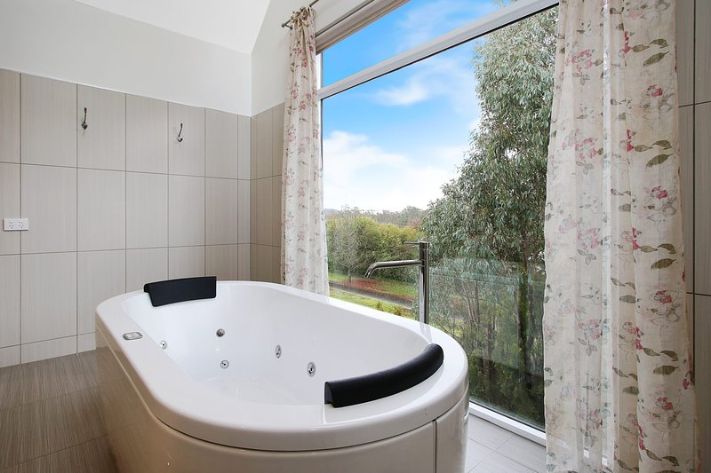 Next to Bliss - Luxury Guesthouse, holiday rental in Buckland