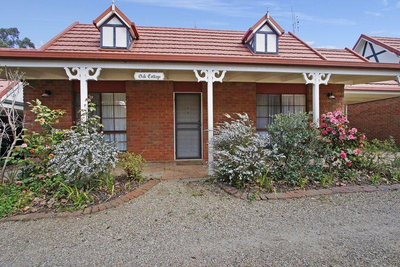 Oak Cottage - Tudor Village Unit 5, location de vacances à Wandiligong
