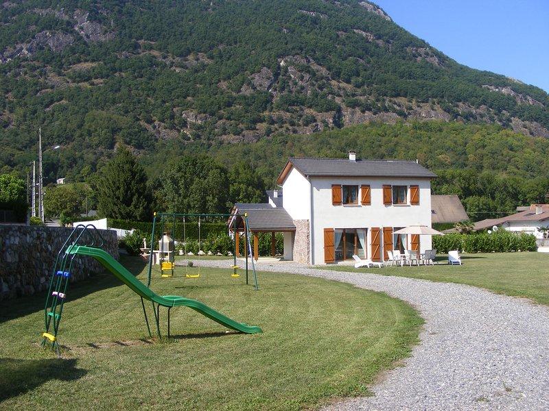 Vos prochaines vacances au pied de la montagne Pyrénéenne, holiday rental in Siradan