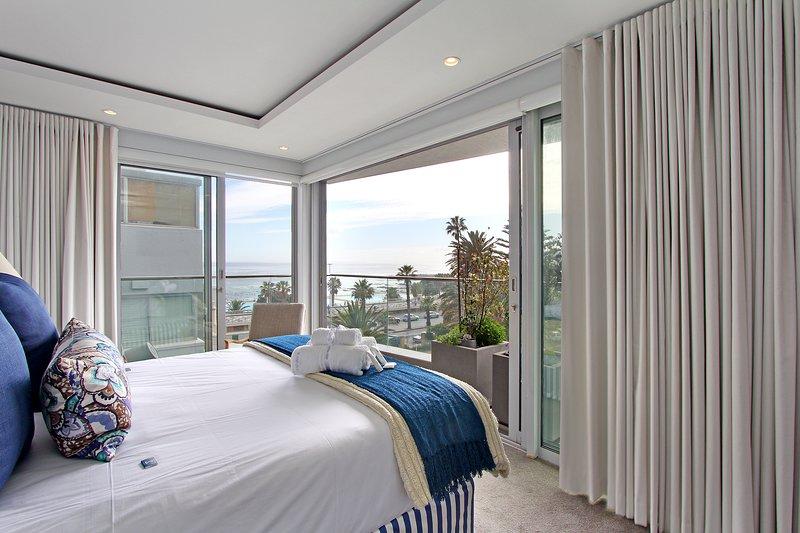 Prestina Oceanside Luxury 3 Bedroom Apartment