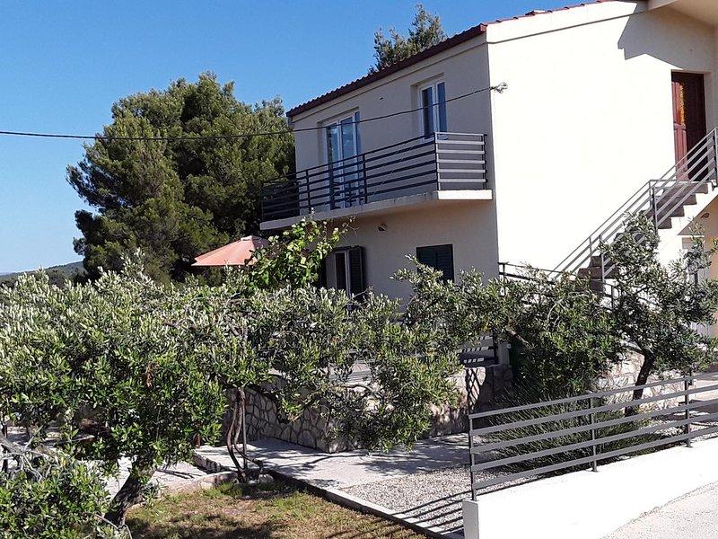 Three bedroom house Rogač, Šolta (K-16444), location de vacances à Rogac