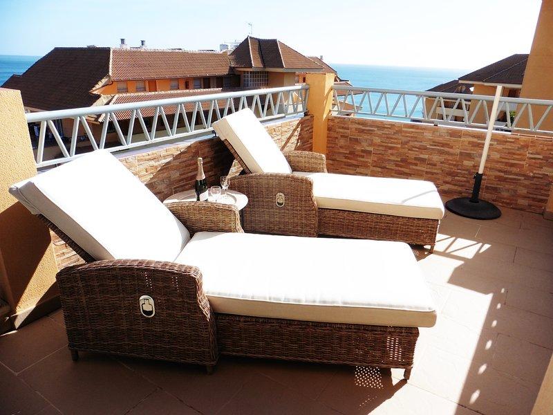 Terraço relaxante com espreguiçadeiras