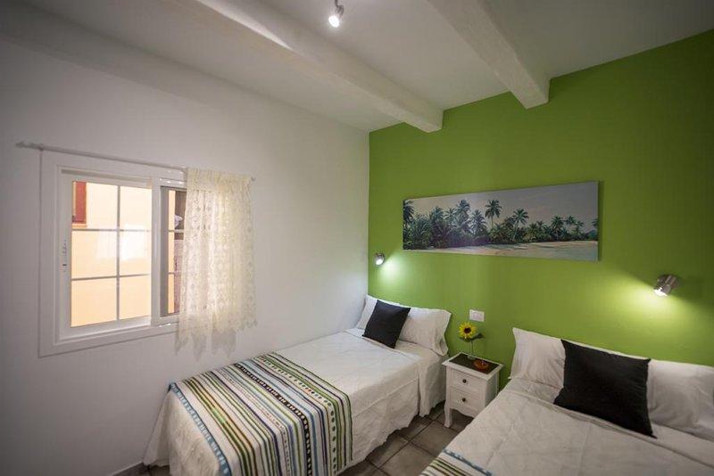 Apartamento Parada A Playa De Santiago, holiday rental in Playa de Santiago