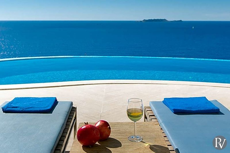 Kas Villa Sleeps 10 with Pool and Air Con - 5586448, holiday rental in Kastellorizo