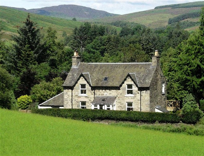 Shian Cottage B&B, Trochry - double bedded room with private bathroom, holiday rental in Birnam