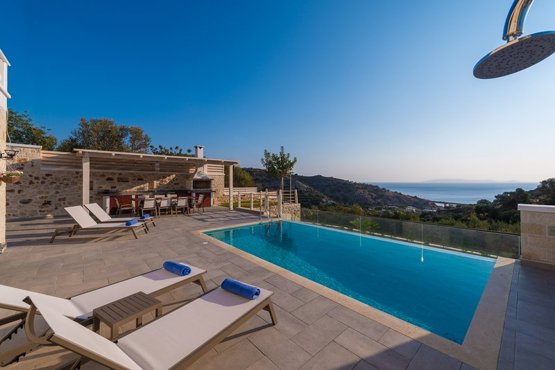 'ERVIN' Sea view Villa - private swimming pool ! – semesterbostad i Kreta