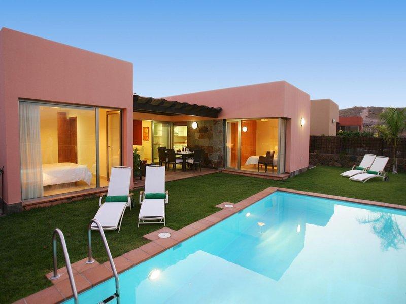 Par4 Villa 3 - 2 bedroom, vacation rental in Montana La Data