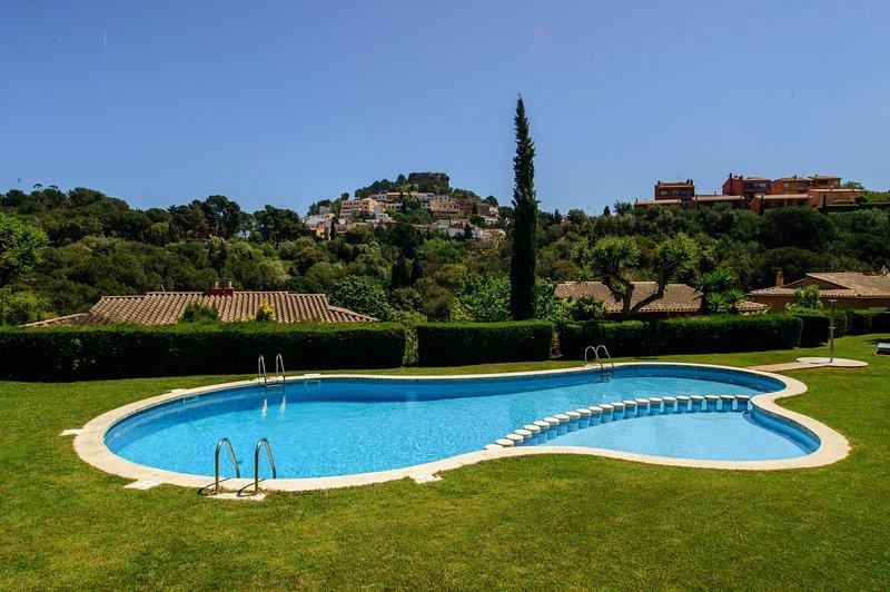 Begur Holiday Home Sleeps 6 with Pool - 5247049, alquiler de vacaciones en Regencós