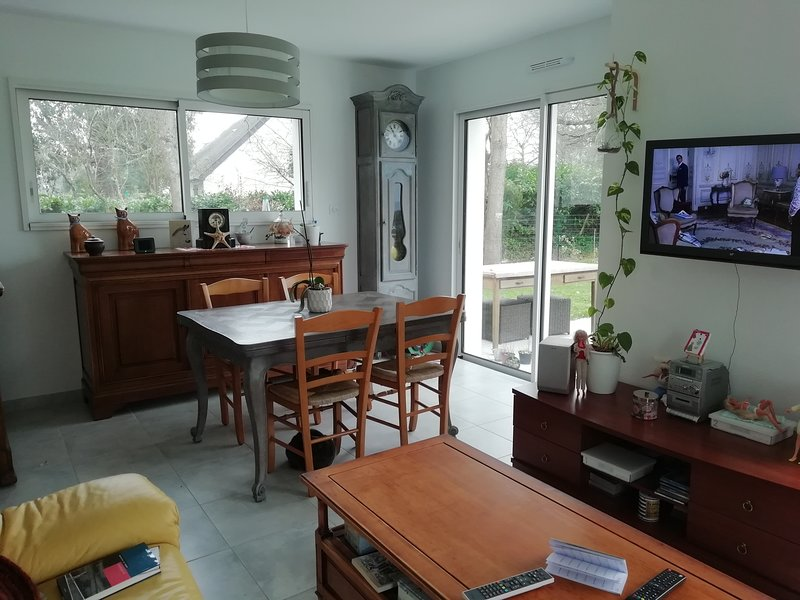 Nice house near the beach & terrace, vacation rental in Mesquer-Quimiac