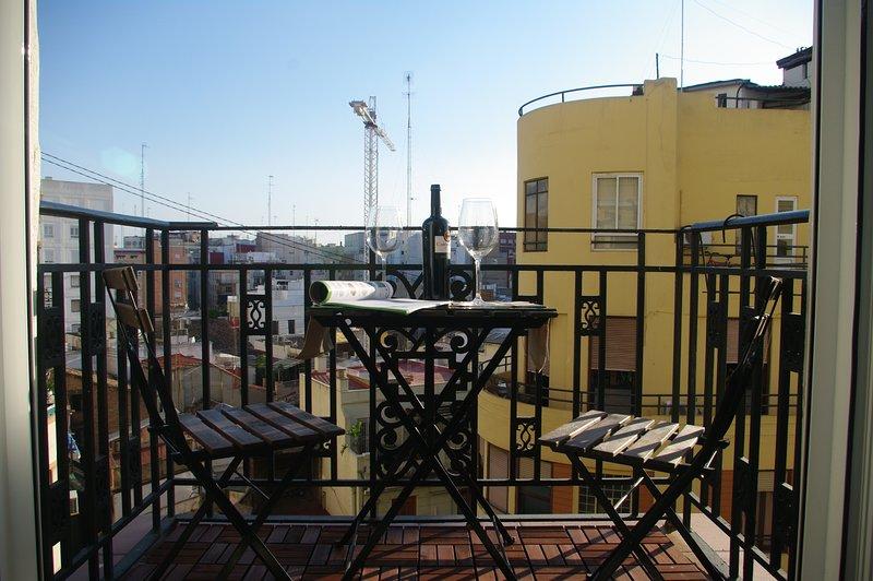 Precioso y amplio piso en pleno centro de Valencia, holiday rental in Grao