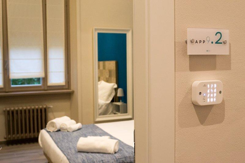 APP9.2 Camera tripla con bagno esterno privato ad uso ESCLUSIVO, holiday rental in Sorisole