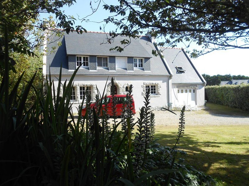 Spacious house with terrace & Wifi, holiday rental in Plogoff