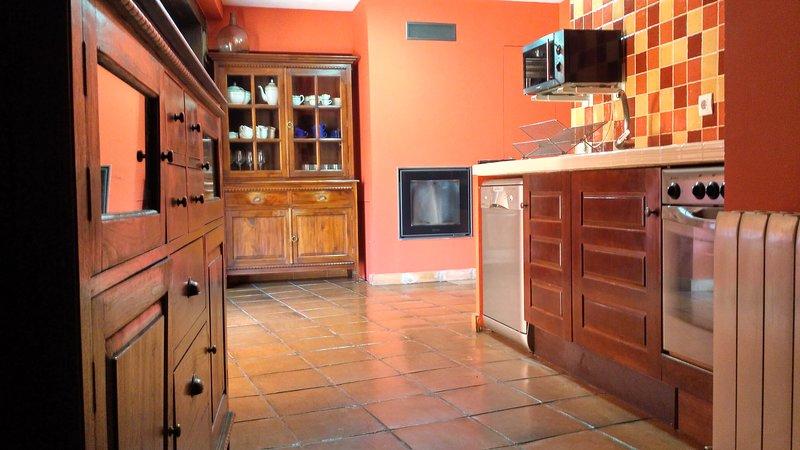 Casa rural en Sotes ( La Rioja )  para grupos o familias. Acogedora y funcional., alquiler de vacaciones en Logroño