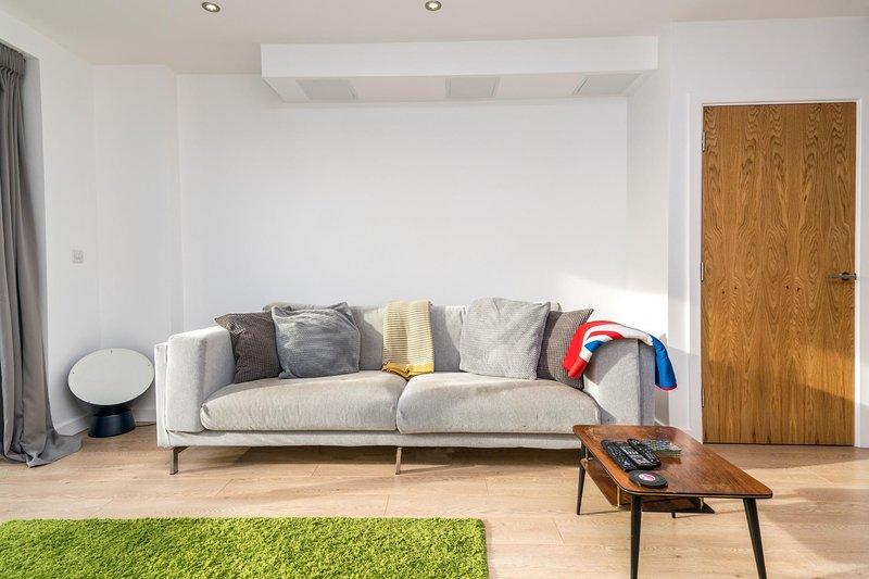 NEW 2BD Flat 4mins to Excel Centre Fast City Links, location de vacances à East Ham