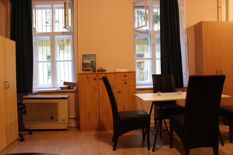 Cozy studio in the heart of the city, holiday rental in Mogyorod