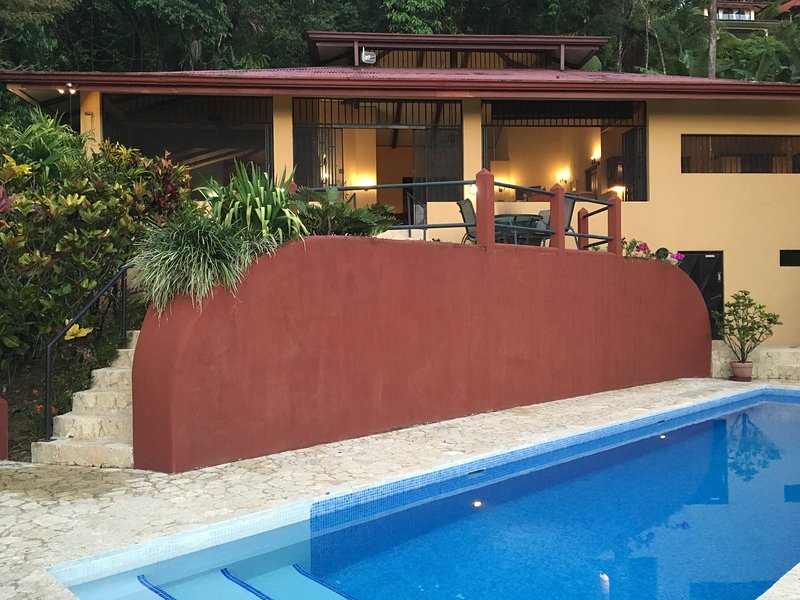 Casa Toucan: Secluded Jungle Setting with Ocean View & 40 foot  Pool, vacation rental in Uvita