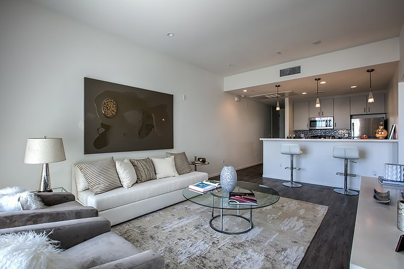 Beverly Hills Condos 2BR 2, holiday rental in Beverly Hills
