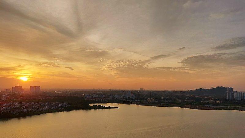 High rise with beautiful lake view, alquiler vacacional en Banting