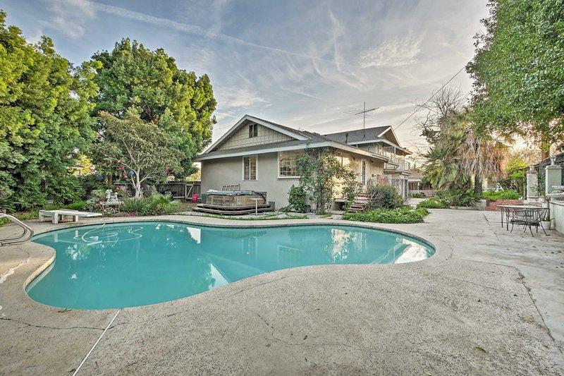Santa Ana Home w/ Pool, 15 Minutes to Disney!, holiday rental in Tustin