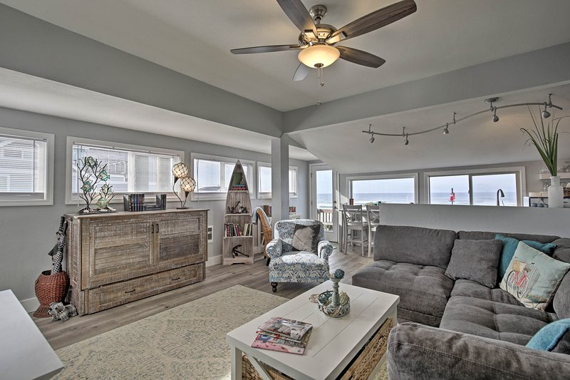 Book your coastal Oregon retreat to this nautically-themed oceanfront abode!