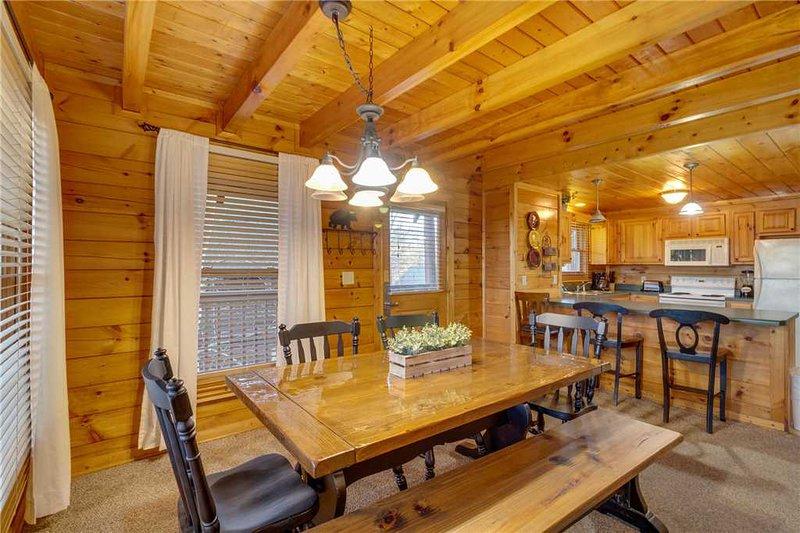 cozy bear cabin updated 2019 2 bedroom house rental in pigeon forge rh tripadvisor com