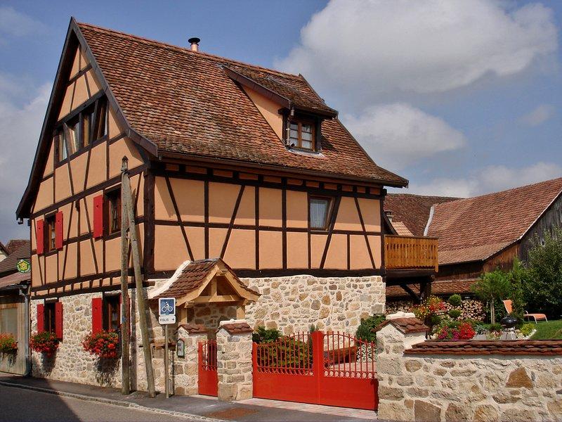 Proximité de Bale-La maisonnette Gites de Charme **** 7/8 pers. avec jardin, vacation rental in Mooslargue