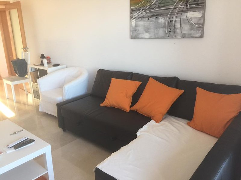 Apartment with shared pool, holiday rental in Casares del Sol