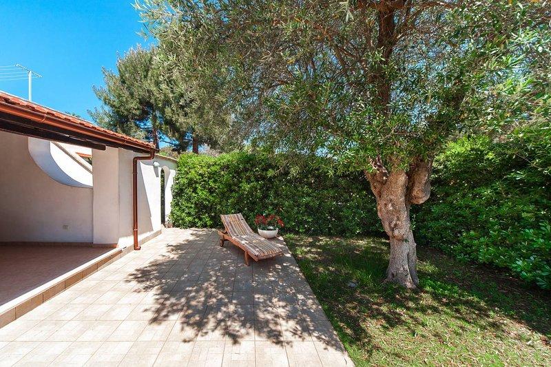 Ostuni - House in the village by the sea, holiday rental in Marina Di Ostuni