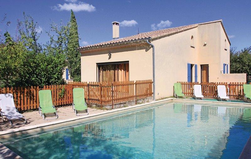 Amazing villa with swimming-pool, casa vacanza a Reauville