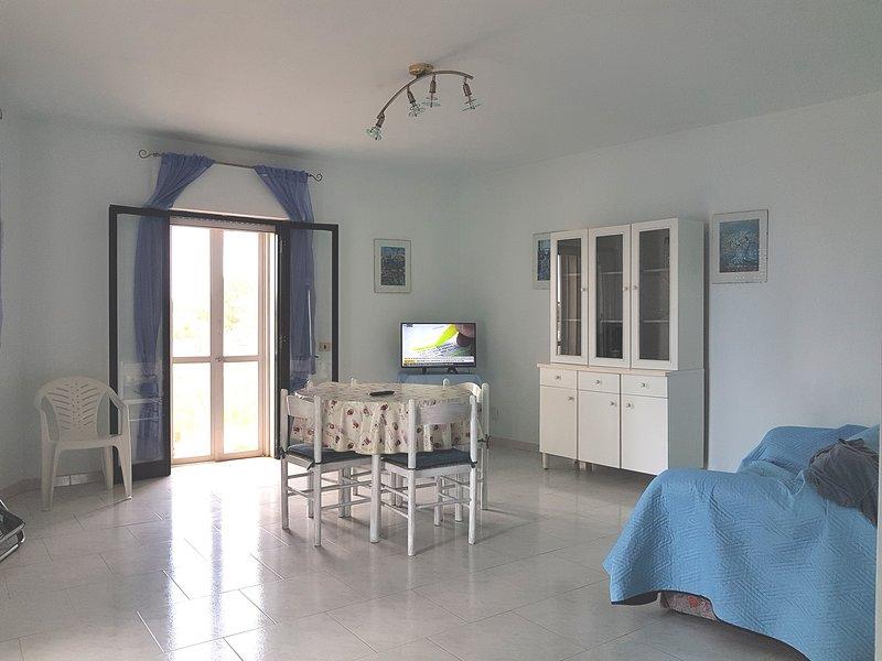 Villa Viviana -Torre Lapillo fronte mare, Porto Cesareo, holiday rental in Villaggio Boncore