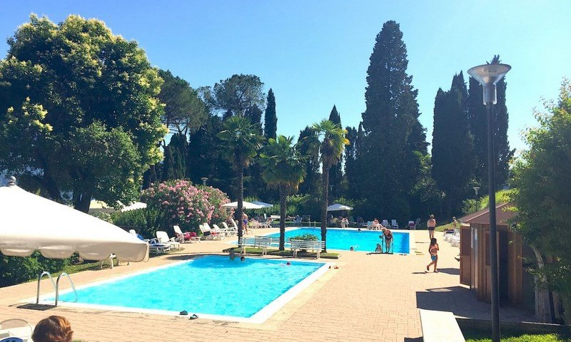 Aida in residence with shared pool and lakeview in Oggebbio, holiday rental in Aurano