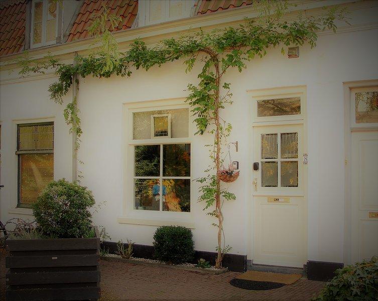 De charmante voetgangersstraat ingang naar uw thuis weg van huis, Charmant Huis.
