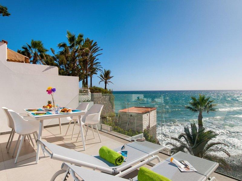 Bungalow Playa del Aguila II over the sea, location de vacances à San Agustin