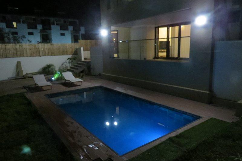 Spacious villa with swimming-pool, location de vacances à Cascavelle