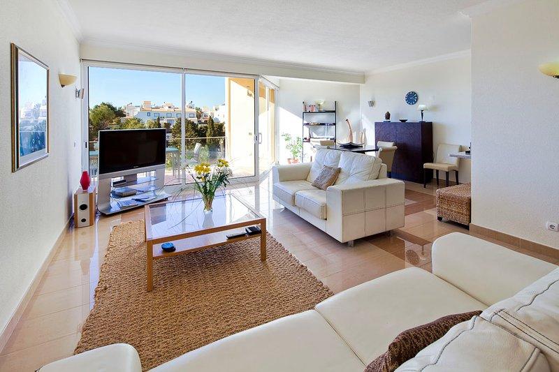 Modern spacious penthouse apartment - Parque nº 12, vacation rental in Ferragudo