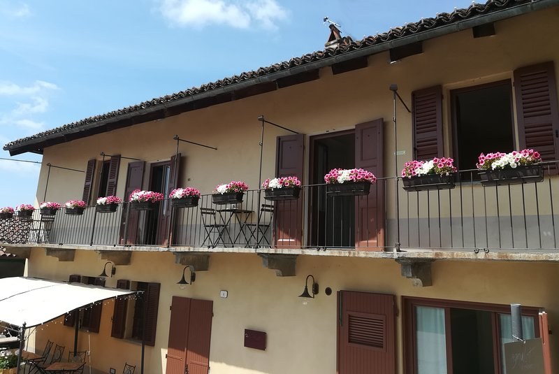 Raviola Vacation Apartment, vakantiewoning in Cavallermaggiore