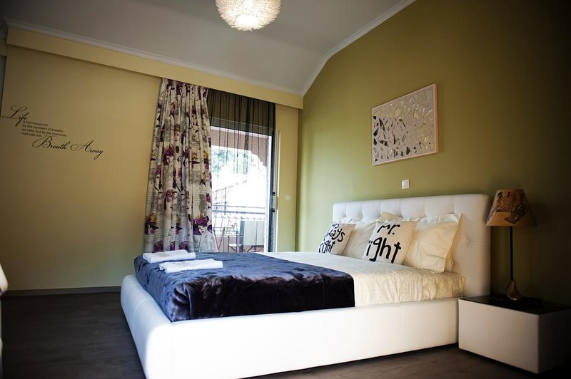 Kadith Apartments - Studio With sea view, location de vacances à Ano Garouna
