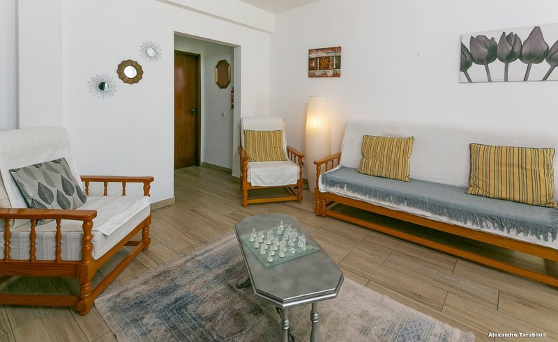 C13 - Belavista 3 Bed Apartment, location de vacances à Espiche