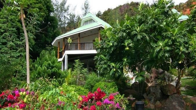 Villa with Sea View with Superior Bedroom (Unit 1), Ferienwohnung in Praslin