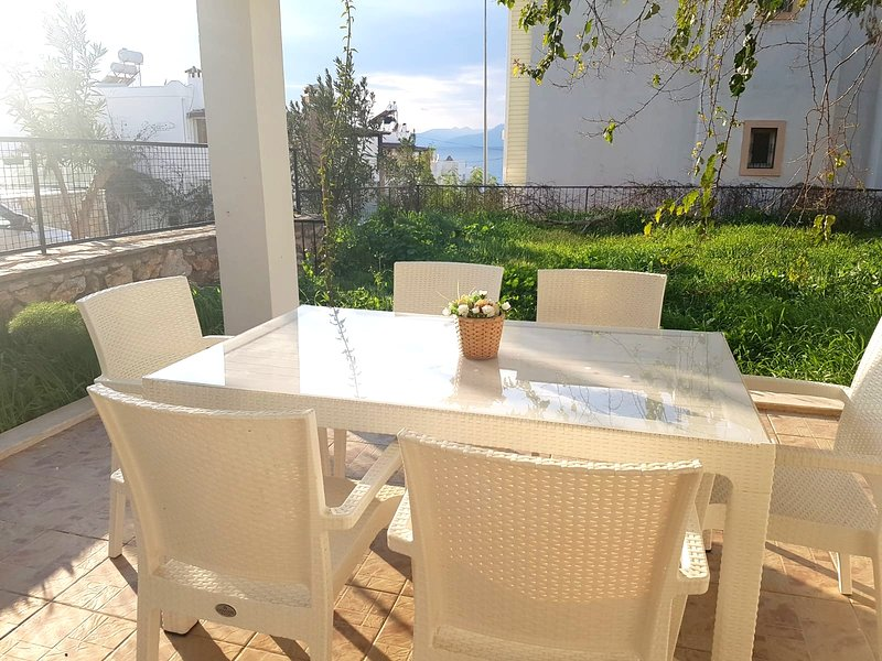 4 Season confort sea nearby, holiday rental in Turgutreis