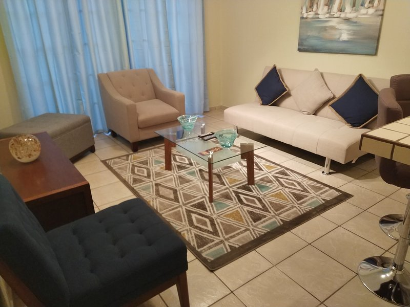 2BD APT (1) GREAT LOCATION ALTOS DE MIRAMONTES, vacation rental in Tegucigalpa