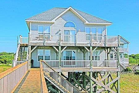 Beach Haven - 4BR Oceanfront House in North Topsail Beach - Sleeps 10, vacation rental in North Topsail Beach